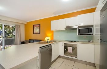 Broadwater-Apartments-Labrador-14