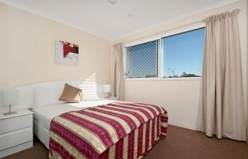 Broadwater-Apartments-Labrador-43