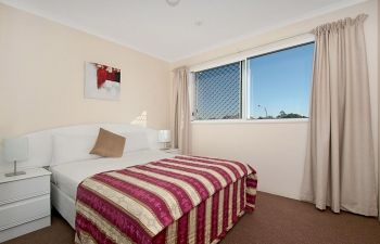 Broadwater-Apartments-Labrador-44