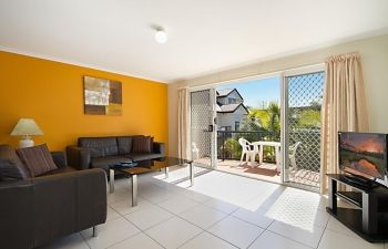 Broadwater-Apartments-Labrador-7