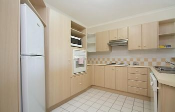 Broadwater-Apartments-Labrador-1