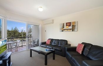 Broadwater-Apartments-Labrador-2