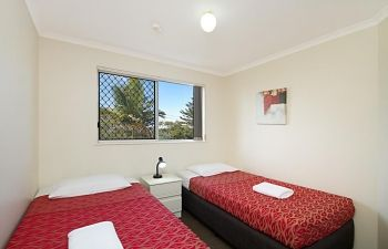 Broadwater-Apartments-Labrador-3