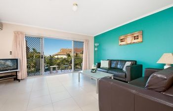 Broadwater-Apartments-Labrador-38
