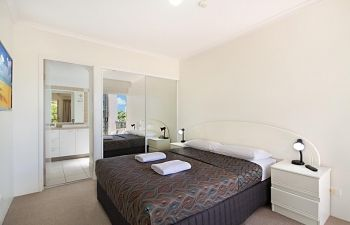 Broadwater-Apartments-Labrador-51