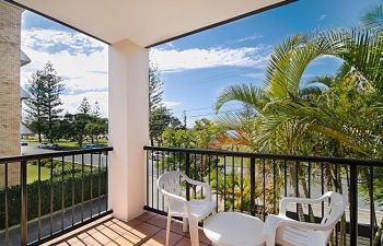 Broadwater-Apartments-Labrador-53