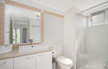 Broadwater-Apartments-Labrador-54