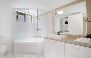 Broadwater-Apartments-Labrador-55