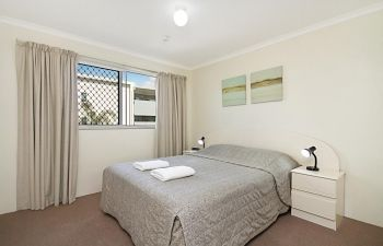 Broadwater-Apartments-Labrador-9
